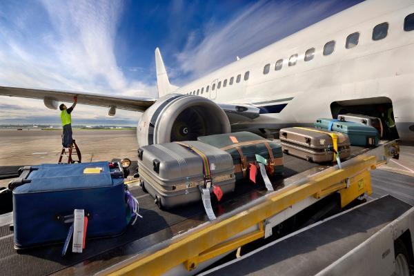 Узнайте куда украинцам не разрешено брать багаж и почему?