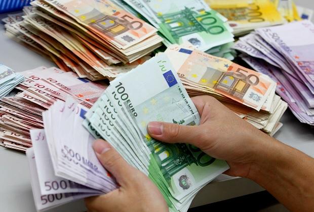 Резкое падение евро в Украине: узнайте курс