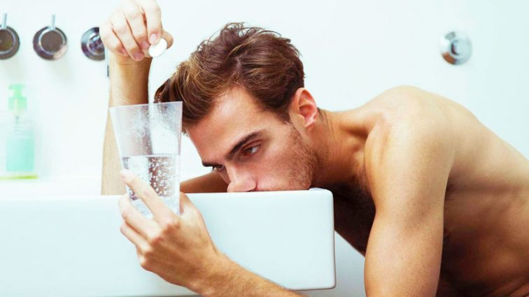 Медики назвали способ, как быстро протрезветь и избежать симптомов похмелья