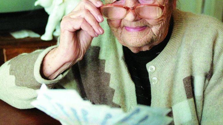 С 1 июля! На украинцев ждет очередной перерасчет пенсий. Кому и насколько