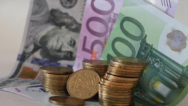Доллар растет, а евро дешевеет: узнайте прогнозы экспертов