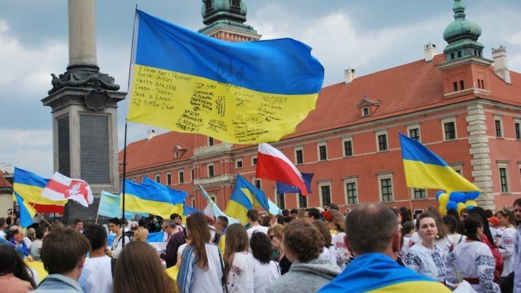 Наравне с поляками: какую зарплату украинцы получают в Польше