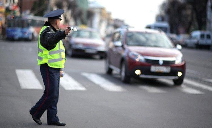 «Знаете, почему мы вас остановили?» В полиции придумали новую причину для остановки водителей
