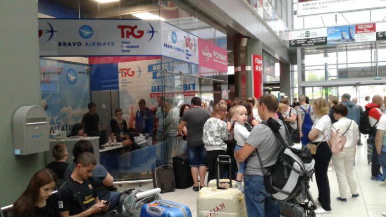 Сотни украинских туристов застряли в Тунисе: что происходит