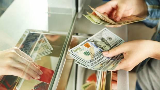 Стало известно, что будет с долларом и евро после выходных