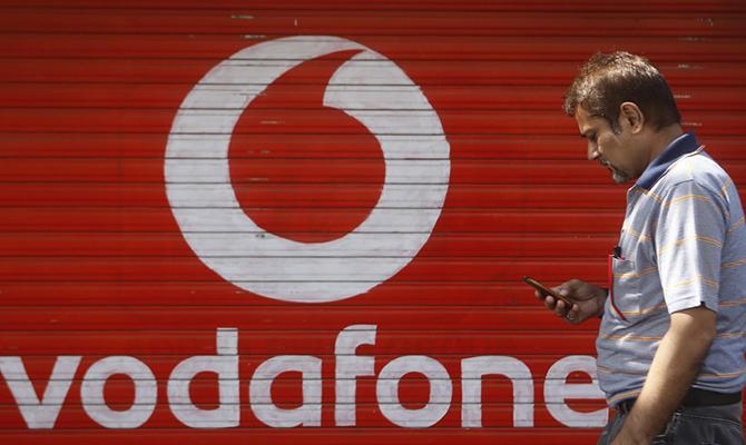 Один из самых популярных мобильных операторов «Vodafone Украины» принудительно повышает тарифы в полтора-два раза