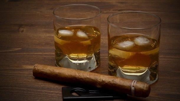 В Украине снова повысятся цены на алкоголь и табак. Узнайте на сколько