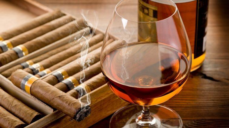 В Украине снова дорожает алкоголь и табачные изделия