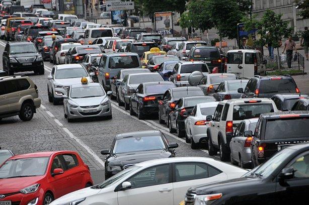 Настоящий автобум: какие автомобили покупают украинцы и как изменились их вкусы