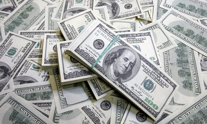 «Уже 27»: Курс доллара на межбанке снова вырос в цене