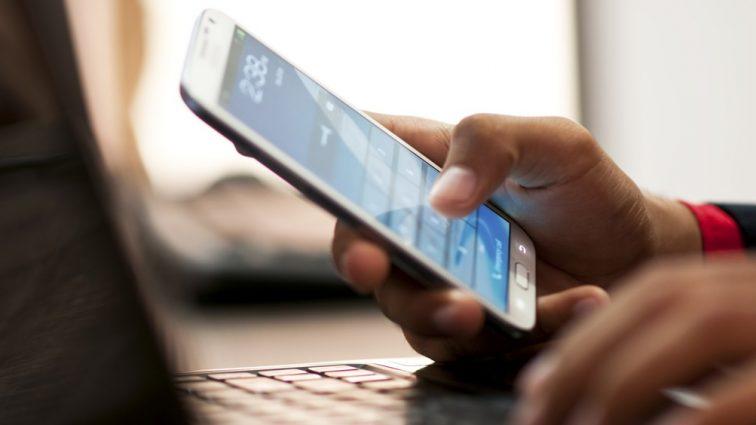 «Платить придется еще больше!»: Известные мобильные операторы приготовили украинцам неприятный сюрприз