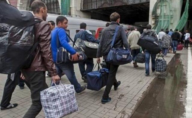 Украинские граждане массово ринулись на заработки: появилась жуткая статистика