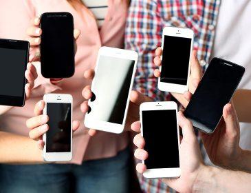 «Главное, чтобы дешево»: самые популярные смартфоны среди украинцев