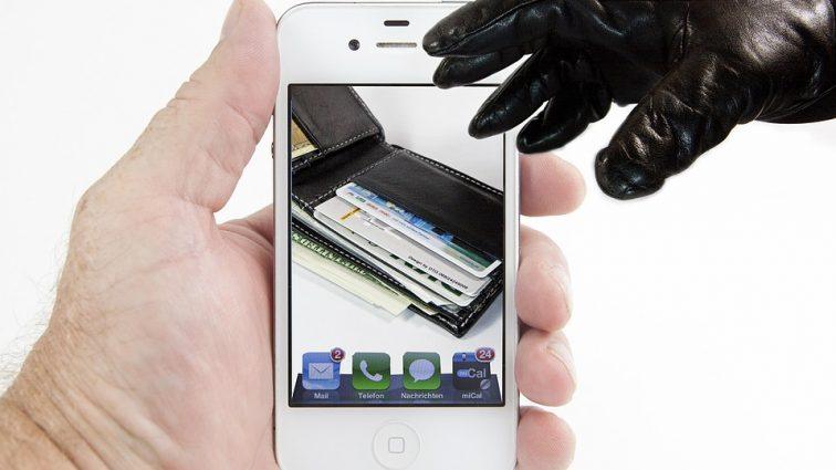 Журналисты провели эксперимент: как украинцев обманывают телефонные мошенники