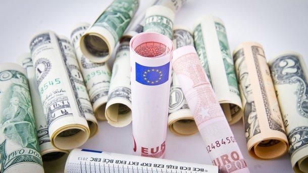 Как в Украине изменилась цена на доллар и евро