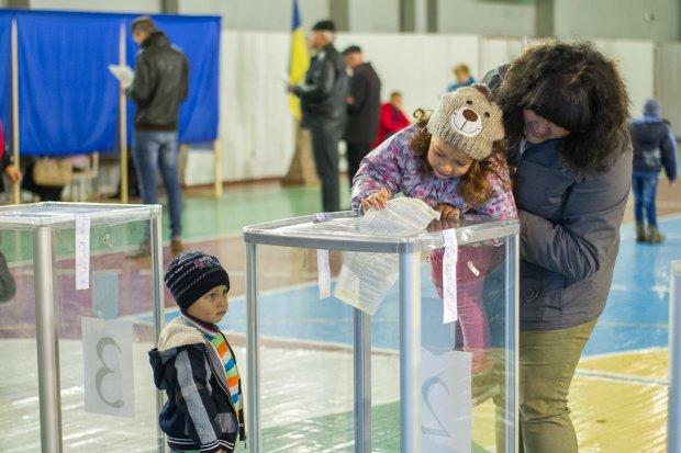 Украинский хотят допускать к выборам только после экзаменов: что это и как оно работает