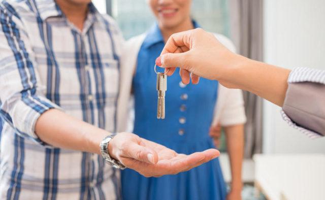 Приняли закон о выделении жилья: кто получит бесплатные квартиры