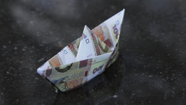 Гривня слабеет: курс доллара стал еще выше