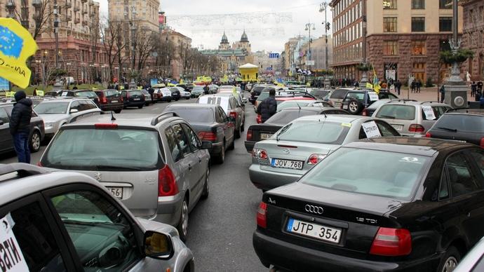 Всеукраинская забастовка и перекрытые трассы: владельцы «евроблях» пригрозили парализовать Украину