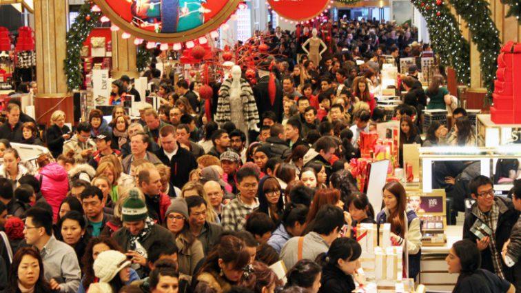 Покупать надо уже сейчас: эксперты объяснили, почему не стоит ждать с приобретением подарков на рождественские праздники