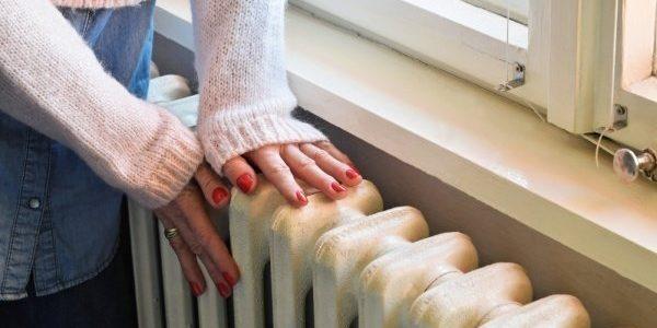 «Спасение утопающих — дело рук самих утопающих»: эксперт про отключение тепла в отопительный сезон за долги
