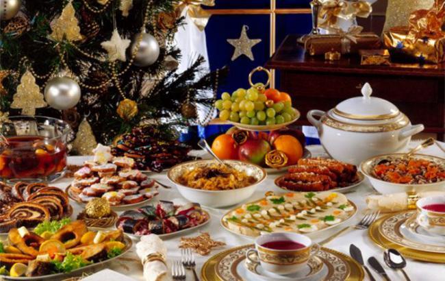 С Новым Годом: праздничный стол существенно подорожал