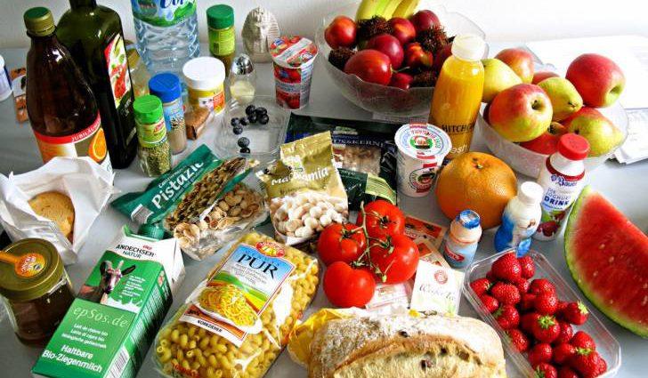 На сколько за год выросли или упали цены на продукты питания в Украине?