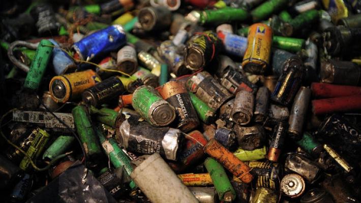 Других заводов в стране нет: Закрылся единственный в Украине завод по утилизации применяемых батареек