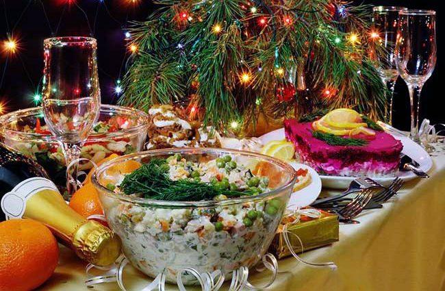 Праздник приближается: Стоимость новогоднего стола за год выросла на четверть