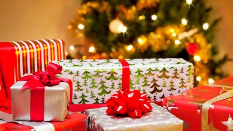 Даже в Германии меньше: сколько украинцы потратят на новогодние и рождественские подарки?