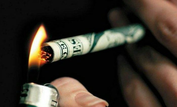 Сигареты уже в январе 2019 подорожают сразу на 20%