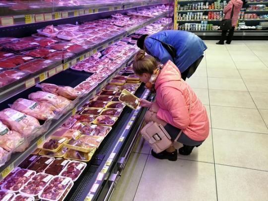 На сколько в Украине за год подорожало мясо? Статистика удивляет