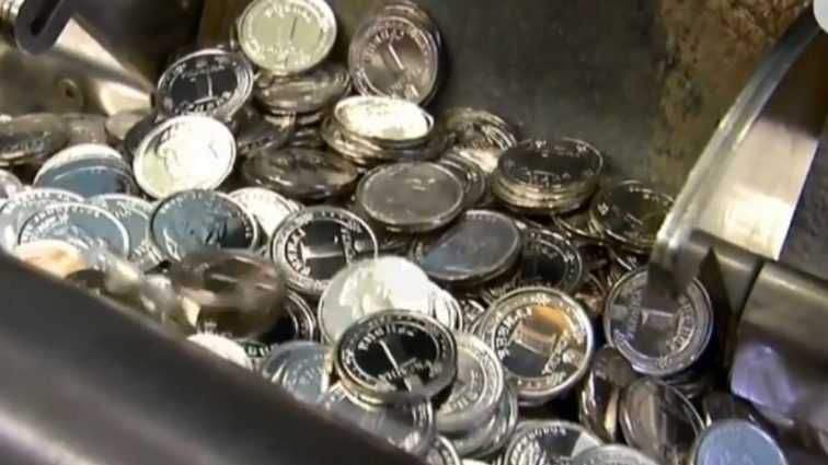 Из чистого серебра: НБУ выпустили новые деньги