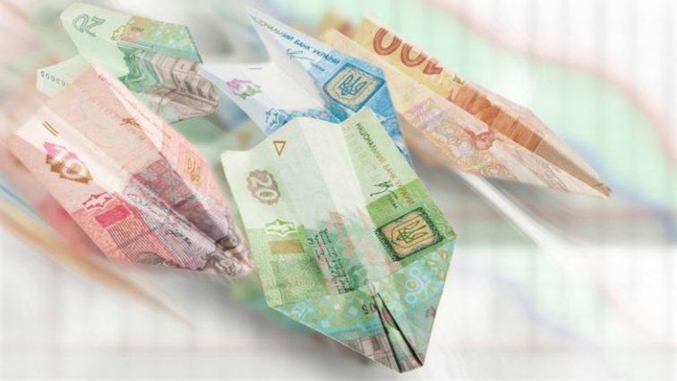 «Очень важное решение»: Как украинцам вернуть свои деньги из проблемных банков