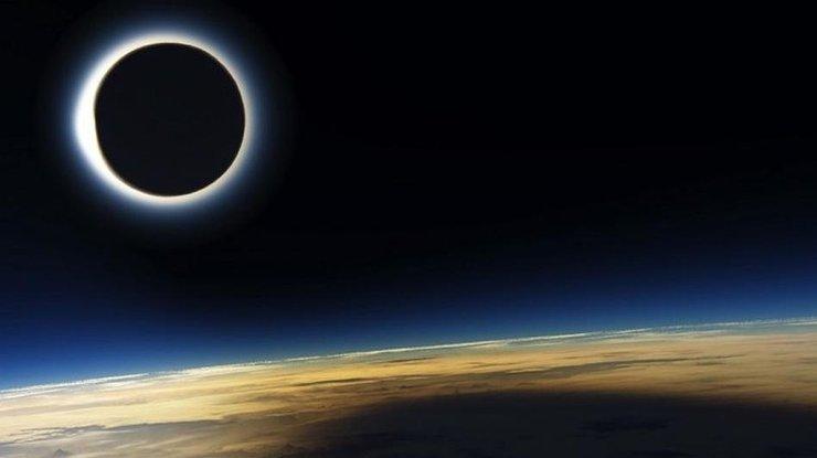 Солнечное затмение 6 января. Чего не стоит делать женщинам