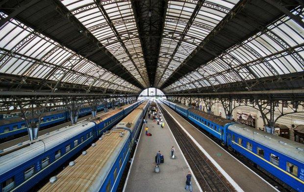 «УЗ» пустит больше поездов и дополнительных рейсов: «щедрость» будет длиться всего неделю