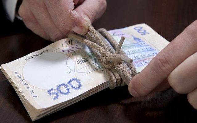 Безработные люди в Украине без проблем могут получить у 7700 грн в помощь