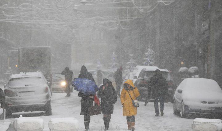 Снегом завалит изрядно: синоптики сделали опасный прогноз на выходные