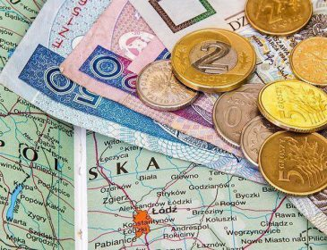 «Хватит на достойную старость»: На какую пенсию могут рассчитывать украинцы в Польше